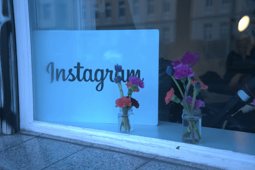 Instagram-Shopping-Pop-Up-Store-